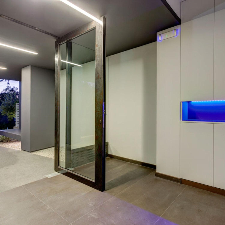 Ellinicon 2 entrance