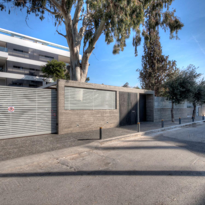Ellinicon 2 front entrance