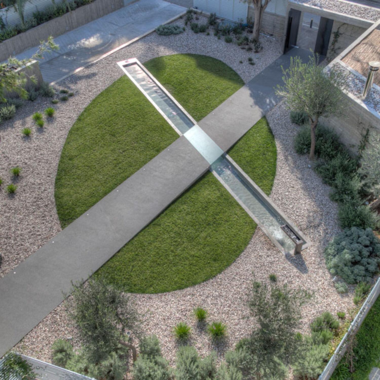 Ellinicon 2 garden