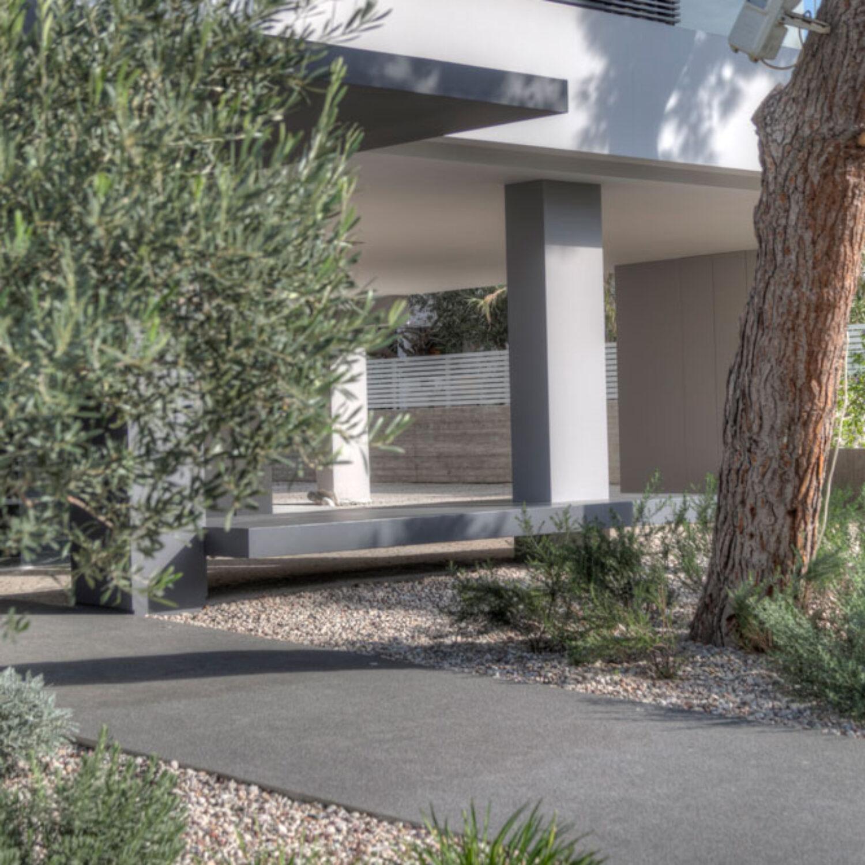 Ellinicon 2 garden detail