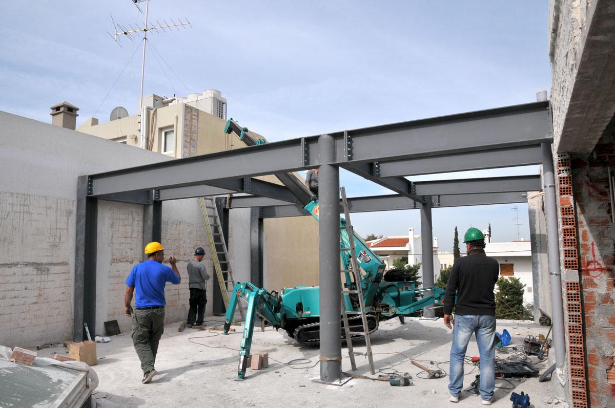'Ανω Βούλα: Τοποθέτηση πέργολας στον Α' όροφο - Ano Voula: Pergola installation on the first floor
