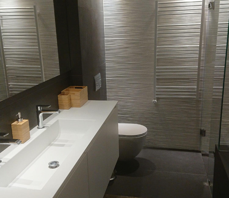 Διαμέρισμα Δ2 (το λουτρό στο master υπνοδωμάτιο) - Apartment D2 (master bathroom)